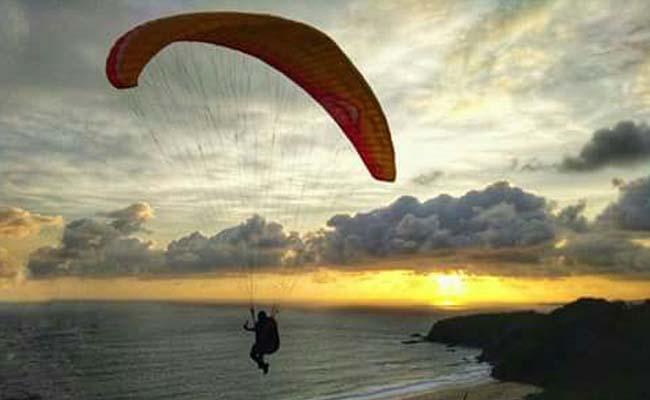 Bukit Waung Pantai Modangan, Surga Paralayang