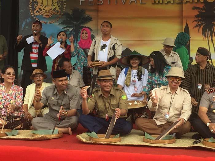 Berseragam Hizbul Wathan, Mendikbud Buka Malang Tempo Doeloe (MTD)