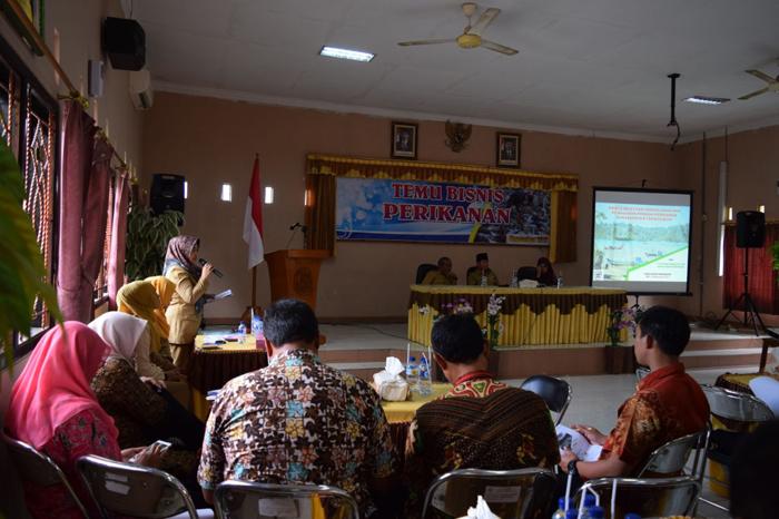 Wabup Arifin berikan sambutan dalam kegiatan temu bisnis Perikanan di Balai Benih Ikan Kabupaten Trenggalek