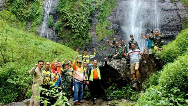Pjs Bupati Jombang Kagumi Air Terjun Tretes Panganjaran