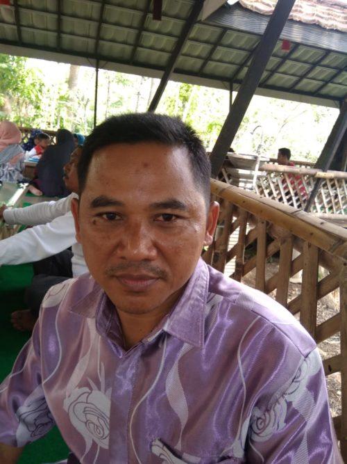 KELOLA : H Winanto Pemilik Kuliner Sarapan Deso. (sur)